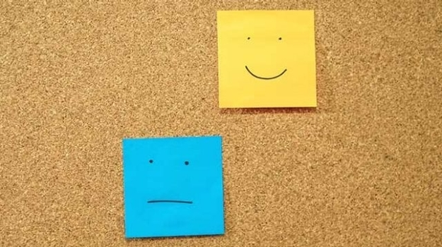 Articles happy and indifferent postits